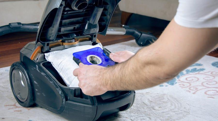 Maintaining the Vacuum Cleaner